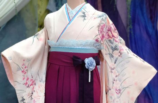卒業式女性袴着付け写真