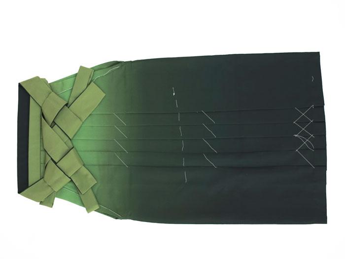 明るい緑ぼかし袴画像