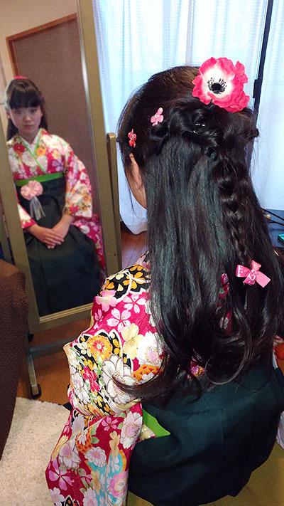 小学女の子の袴卒業髪型写真