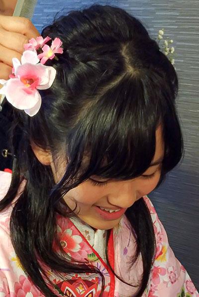 袴の髪型・前髪のヘアセット