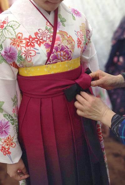 小学校卒業式袴の着付け写真