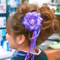 袴の髪型アップヘアの横顔