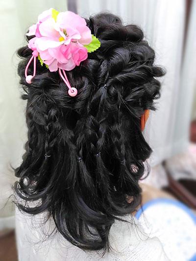 小学生編み込みヘアスタイル