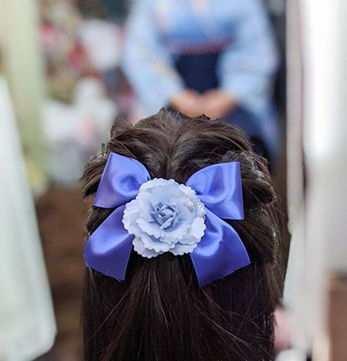 袴に合うリボンの髪飾り
