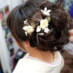 袴髪型先生のヘアスタイル