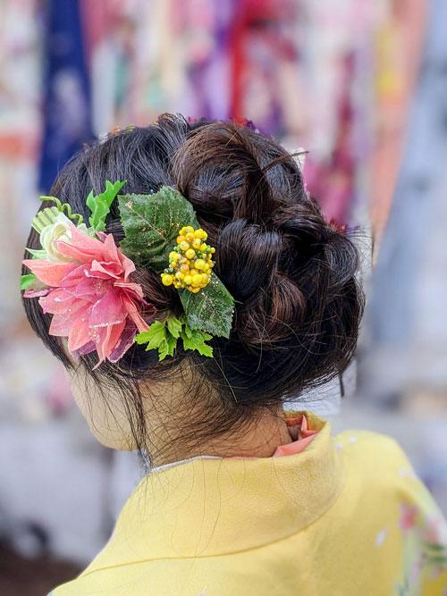 袴に合う髪飾りと髪型の打合せ