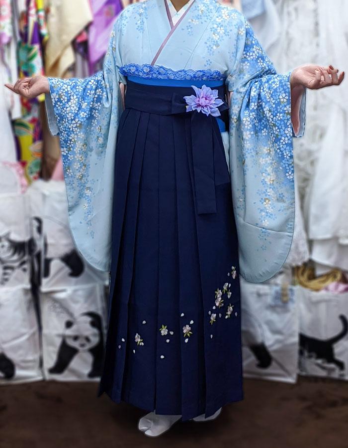 水色袴に紺袴の着付け写真