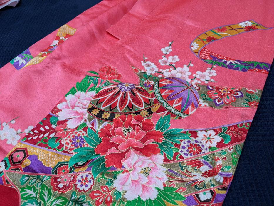 ピンクの古典柄の七五三着物