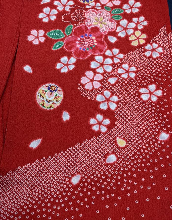 赤七五三着物の絞りデザイン
